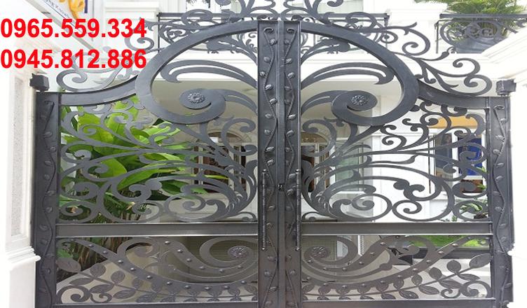 Nhận sơn cửa sắt cửa gỗ tại Hà Nội
