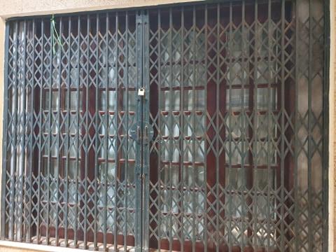 Thợ sơn cửa sắt giá rẻ trọn gói 0965.559.334